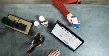 pagare alla cassa con il proprio smartphone uno dei motivi per avere un ecommerce